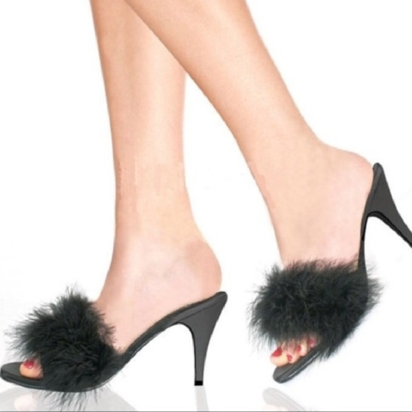 New Fredericku0027s Of Hollywood Fuzzy Bedroom Slipper